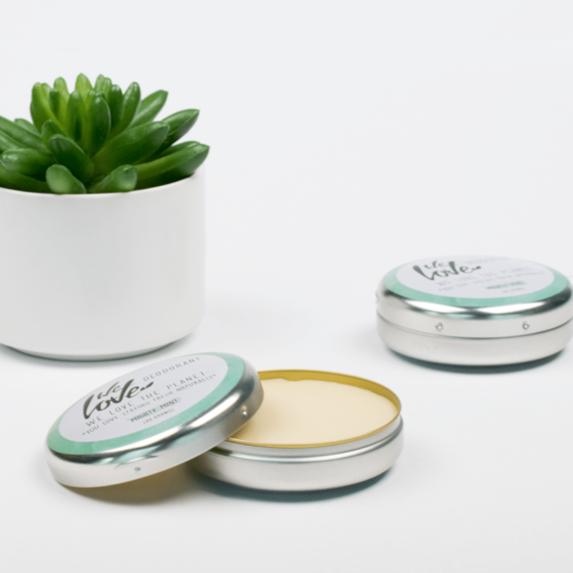 Natuurlijke Deodorant Blikje Mighty Mint (sfeer) - We Love The Planet